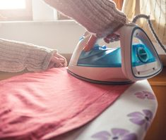 How to Safely Iron Different Fabrics – PureWow – Dizi Filmler Burada Can You Iron Polyester, Ferro A Vapor, Iron Shirt, Household Chores, Household Tips, How To Iron Clothes, Different Fabrics, Cleaning Hacks, Cleaning Tips