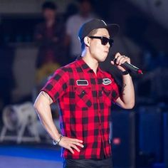 How hot can he be? Gary Running Man, Rapper, Polo Ralph Lauren, Men Casual, Hot, Instagram Posts, Mens Tops, Style, Swag