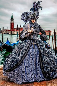 Venice Carnival - Big Dress! (And look at that birdie!).
