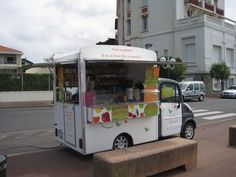 juice truck. OMG, it's adorable!!!