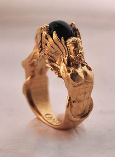 Polished brass with emerald glass sphere. - Polished brass with emerald glass sphere. Polished brass with emerald glass sphere. Cute Jewelry, Jewelry Rings, Jewelry Box, Jewelry Accessories, Fashion Accessories, Fashion Jewelry, Jewelry Design, Jewlery, Man Jewelry
