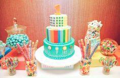 Se você está com o orçamento apertado para fazer a festinha de aniversário de seu filho, mas não quer deixar a data passar em ...