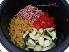 Un plat complet, prêt en 6 minutes. Ingrédients: *Pour 4 personnes environ: 250 gr de Pâtes des légumes au choix Viande hachée 1/2 bouillon de volaille Eau Sel et poivre Préparation: Mettre les ingrédients au choix dans la cuve du Cookéo. Si vous avez...