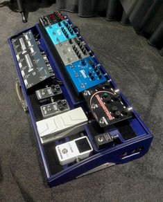 Innovative custom and standard two level pedalboards for guitar effects pedals and accessories. Designed in England hand built in Germany. Guitar Multi Effects, Guitar Effects Pedals, Guitar Pedals, Schmidt, Guitar Pedal Board, Home Studio Music, Guitar Shop, Pedalboard, Music Bands