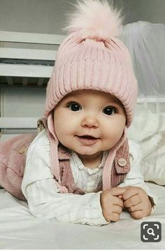 Outstanding baby nursery information are available on our internet site. Check i… – Cute Adorable Baby Outfits So Cute Baby, Cute Kids, Adorable Babies, Beautiful Children, Beautiful Babies, Little Babies, Baby Kids, Baby Baby, Chubby Babies