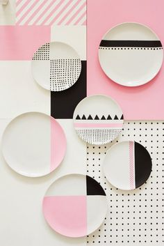 Charlotte Love is a London-based interior stylist and set designer who recently made a color pop series with still-life photographer Joanna Henderson - nice easy pattern to DIY Pottery Painting, Ceramic Painting, Ceramic Art, Ceramic Plates, Ceramic Pottery, Textures Patterns, Print Patterns, Geometric Patterns, Geometric Designs