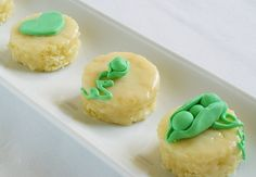 Bake at Pea Pod Petits Fours: part 2 Fudge Recipes, Easy Cake Recipes, Dessert Recipes, Steak Recipes, Sweet Desserts, Easy Desserts, How To Make Cake, Food To Make, Almond Cakes