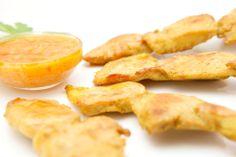 Mmmm hora de #comer. Te apetece de entrada nuestro Pollo Satay ( #pinchitos de pollo estilo Thai) acompañado de salsa de #Cacahuetes.