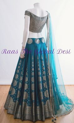 BRIDAL LEHENGA ONLINE You will find different rumors about the real history of the wedding dress; Half Saree Designs, Choli Designs, Lehenga Designs, Indian Bridal Outfits, Indian Designer Outfits, Bridal Lehenga Online, Indian Gowns Dresses, Indian Wedding Dresses, Lehnga Dress