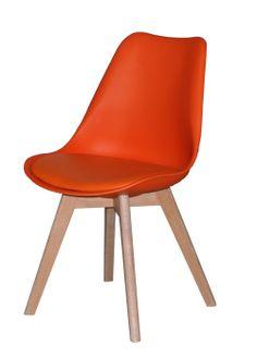 Jerry spisestuestol - Smuk og veldesignet skalstol til spisestuen med flot orange sæde og stel i hvidolieret eg. Stolen har naturlige og bløde runde former, som er yderst behagelige at sidde i og kan med fordel kombineres med en af de øvrige smukke farver, for et mere personligt udtryk. Sælges i sæt á 2 stk.