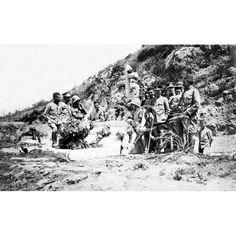 01/06/1914UN ANIVERSARIO EN EL RIF. TRIBUTO A LOS HÉROES DE LA TOMA DE LAUCIEN POR SUS COMPAÑEROS DE ARMAS. FOTO: CUESTA -FECHA APROXIMADA: Descarga y compra fotografías históricas en | abcfoto.abc.es