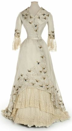 Edwardian Bumble Bee dress, by Jacques Doucet 1900s Fashion, Edwardian Fashion, Vintage Fashion, European Fashion, Fashion Fashion, Club Fashion, Modern Fashion, Fashion Tips, Fashion Trends