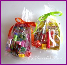 http://thepeacefulmom.com/wp-content/uploads/2012/01/Clearance-Gift-Bags-A-1024x993.jpg