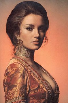 Jane Seymour as Solitaire in Live and Let Die #Bochic #jewelry inspiration http://bochic.com/content/