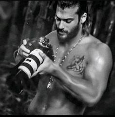 Turkish Men, Turkish Actors, Beautiful Men Faces, Gorgeous Men, Beard Boy, Charming Man, How To Look Handsome, Male Face, Good Looking Men