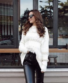 Sonbahar Kış Modası 2019 2020 - Trendler ve Moda - Trendler ve Moda Pantone, Ruffle Blouse, Chic, Instagram, Tops, Women, Style, Fashion, Elegant