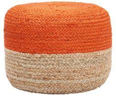 Ein kleiner Farbklecks kann schon viel bewirken – zum Beispiel Ihrem Interieur einen erfrischenden Look schenken. Pouf BONO ist so ein Prachtexemplar, das mit seinem zweifarbigen Design in Orange und Hellbraun fröhliche Akzente setzt. Machen Sie BONO mit seinen geflochtenen Hanffasern zum Hingucker und platzieren Sie den Pouf gut sichtbar neben Ihrem Sessel oder dem Couchtisch!