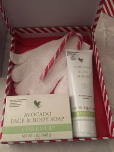 Christmas gifts.. Aloe Vera facial scrub, avocado hand & face soap.. Exfoliating gloves =£20 http://beautifulclearskin.net/arabica-coffee-scrub-from-majestic/