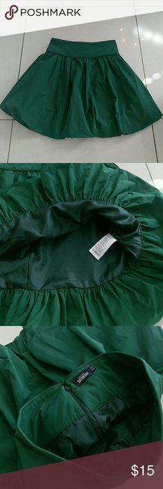"""NEW KATE SPADE """"Saturday"""" Double Bubble Skirt Very pretty balloon skirt, never worn or washed. Bought it during my pregnancy and hoped it will fit me after losing the extra belly, but unfortunately it does not...   It is about 18 inches long kate spade Skirts Midi"""