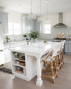 Kitchen Island Decor, Modern Kitchen Island, Kitchen Island With Seating, Kitchen Layout, Home Decor Kitchen, Diy Kitchen, Home Kitchens, Kitchen Island With Legs, Narrow Kitchen Island