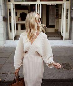 Gorgeous Ivory statement dress #fashion