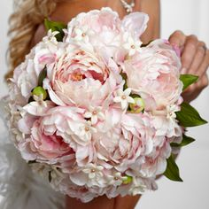 Peonies, what a beautiful flower for a late spring or early summer wedding.