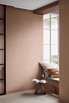 I stedet for at male én væg, så prøv denne nye trend Room Inspiration, Interior Inspiration, Living Room Decor, Bedroom Decor, Bedroom Wall Colors, Interior Wall Colors, Colorful Interiors, Home And Living, Home Interior Design
