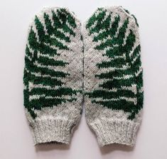 Want to knit these mittens for yourself? Heres the pattern for purchase. These simple and elegant fern mittens offer a touch of natural coziness in the midst of a cold season. For those of us who like to be surrounded by green plant life all year round, Knitting Charts, Hand Knitting, Knitting Patterns, Crochet Patterns, Hat Patterns, Loom Knitting, Stitch Patterns, Knitting Machine, Knitted Mittens Pattern