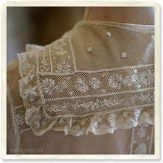detail Antique Lace, Vintage Lace, Vintage Dresses, Crochet Wedding Dresses, Lacey Tops, Smocking Patterns, Romantic Outfit, Linens And Lace, Lace Doilies