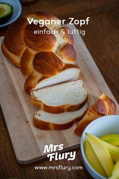 Veganer Zopf - bestes Rezept - Mrs Flury - gesunde Rezepte Christmas Snacks, Vegan Breakfast, Vegan Recipes, Clean Eating, Brunch, Food And Drink, Low Carb, Sweets, Bread
