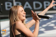 Danielle Bradbery Danielle Bradberry, Country Artists, News Songs, Country Music, Style Icons, Olympics, Fan, Beauty, Beautiful