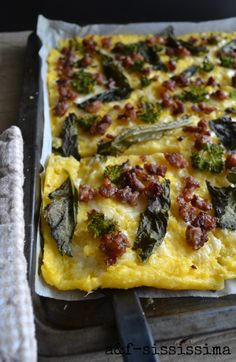 water and flour-sississima: polenta with sausage and broccoli Kids Packed Lunch, Broccoli Pasta, Flatbread Pizza, Food Fantasy, Cooking Recipes, Healthy Recipes, Delicious Recipes, Finger Food Appetizers, Tasty Dishes