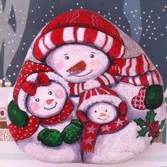 🎿😊#kardanadam #snowmen #doğal #taş #boyama #painting #drawing #stonepainting #rockart #kış #kar #elyapımı #handmade #yeniyılhediyesi #gift #likeforlike #instalike #handmadebestmade #creativity #sanat #tasarım #dekor #design #instaart #instapaint #instamaker #artist