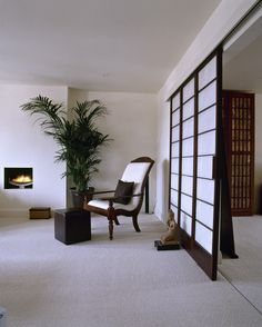 White Asian - Modern Living Room A modern white sitting room, neutral carpet, simple fireplace, Japanese style sliding door.💙 Would like something similar in bathroom Modern White Living Room, Room, Living Room Furniture, Japanese Living Rooms, Asian Living Rooms, Living Room Grey, Asian Decor Living Room, Living Decor, Asian Home Decor