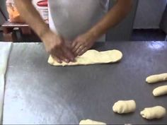 PASSE ADIANTE PÃO FRANCÊS FEITO EM CASA - YouTube Bread Recipes, Cake Recipes, Best Gluten Free Bread, Pan Bread, Favorite Recipes, Baking, Eat, Youtube, Food