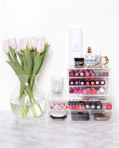 When it comes to beauty products, we say more is always more. But if you're overloaded with eye-shadow palettes, nail-polish bottles and everything in between, knowing how to organize it all will not only make your vanity look picture-perfect, it'll… Pinterest Design, Younique Mascara, Mac Mascara, Rangement Makeup, Make Up Storage, Storage Ideas, Smart Storage, Diy Storage, Beauty Vanity