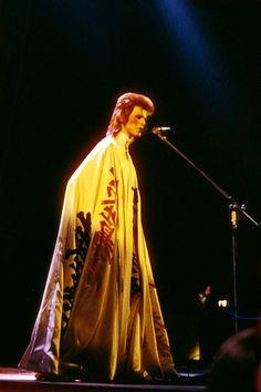 Japanese Designer Kansai Yamamoto Has Died at 76 | Vogue David Bowie Fashion, Brooklyn Museum Of Art, David Bowie Pictures, Kansai Yamamoto, David Bowie Ziggy, The Thin White Duke, Image Model, Basara, Ziggy Stardust