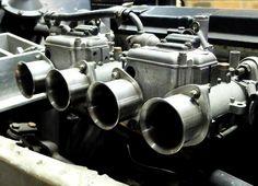 Lotus 7. carburators