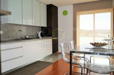 APARTAMENTO T3 - NOGUEIRA Já reparou na luz natural e o elevado nível de construção e acabamentos que se destacam neste apartamento? Excelente oportunidade!  | www.belleville.pt | #apartamento #braga #viverembraga #nogueira #venda #imobiliaria #apartamentoparavenda #familia #lar #confiança
