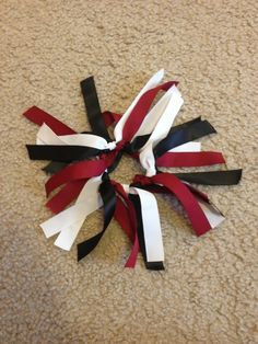 Ribbon scrunchie for volleyball season. Simple to make and looks. Informations About Ribbon scrunc Ribbon Hair Ties, Hair Ribbons, Diy Ribbon, Volleyball Hair Bows, Volleyball Hairstyles, Sporty Hairstyles, Volleyball Gear, Sport Hair, Cheer Mom