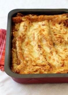 Easy recipe for Lasagna with ricotta cheese and minced meat.