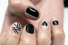 Manicure nude & black  Colores: Glints of glinda OPI + Black Onyx OPI + Black ART DECO L.A COLORS.