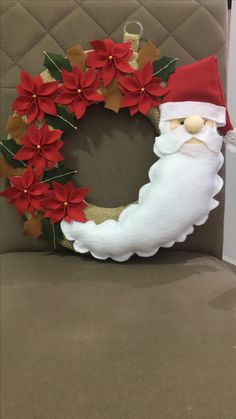 me ~ DIY Christmas Wreaths for Front Door - DIY Sweetheart Silver Christmas Decorations, Diy Christmas Ornaments, Felt Christmas, Rustic Christmas, Christmas Bulbs, Christmas Hanging Baskets, Christmas Wreaths For Front Door, Holiday Wreaths, Holiday Decor