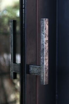 Door handle by Uno Tomoaki