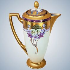 Exceptional Vintage Pickard Studio of Chicago 1912 Hand Painted Violet Supreme 10 Floral Coffee Chocolate Pot by Listed Artist, Emil Fischer Chocolate Pots, Chocolate Coffee, Vintage Dishes, Vintage Teapots, Tea And Crumpets, Teapots And Cups, Vintage Coffee, Porcelain Ceramics, Pottery Art
