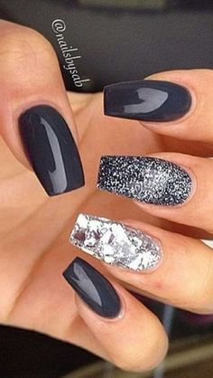 Semi-permanent varnish, false nails, patches: which manicure to choose? - My Nails Blue Coffin Nails, Coffin Shape Nails, Rose Gold Nails, Blue Nails, Coffin Nails 2018, Gel Nails, Nail Polish, Stiletto Nails, Matte Nails