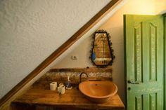 Fabrika de Case - Cuibul de la mare / #Bathroom #PaintedDoor #Corbu #Romania