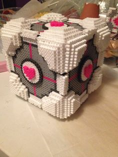 Companion Cube Portal perler beads by xXXxNightShadexXXx