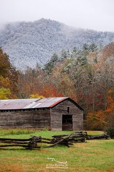 We were treated to a really cool view of Dan Lawson's Place. With Cades Cove located just low enough in elevation not to have received snow, this barn was enjoying Autumn with Winter on the mountains behind.