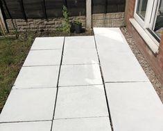 How To Stencil Your Patio Flags Back Garden Landscaping, Backyard Patio Designs, Patio Ideas, Backyard Ideas, Concrete Slab Patio, Patio Flooring, Concrete Flags, Garden Tiles, Garden Floor